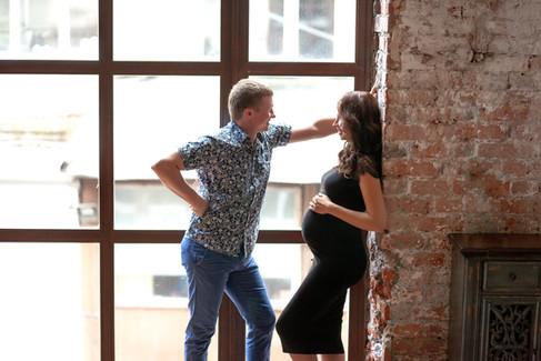 черно белая фотосессия беременных с мужем