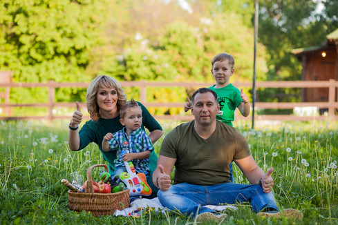 фотосессия семьи на природе