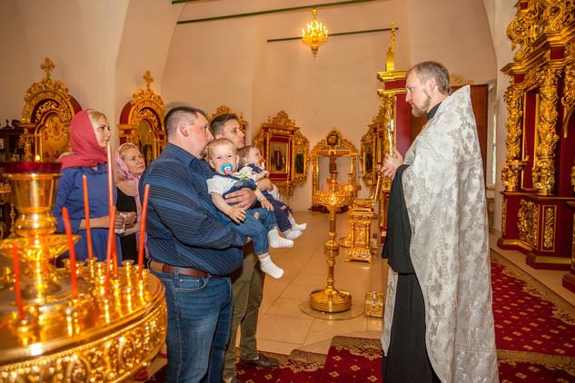крещение младенца фото