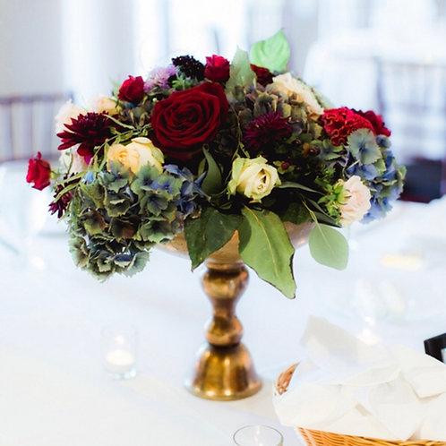 Композиции на столы гостей из живых цветов