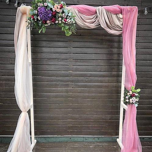 Цветочная арка на выездную церемонию
