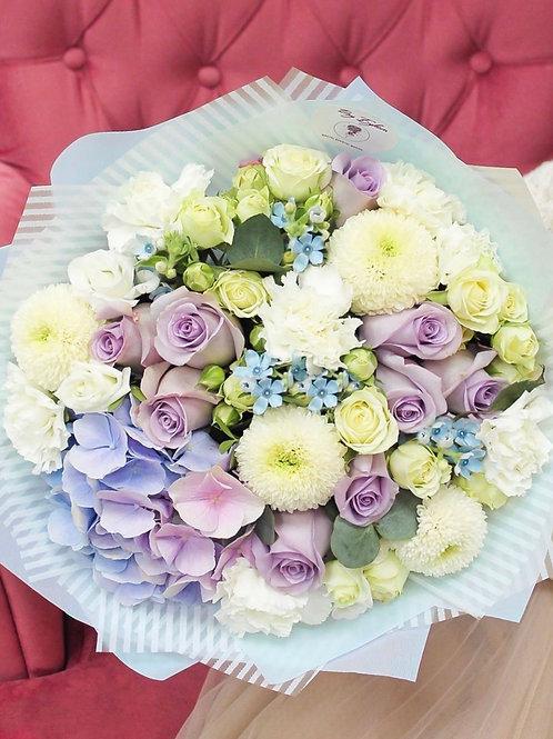 Букет в фиолетово-голубой гамме