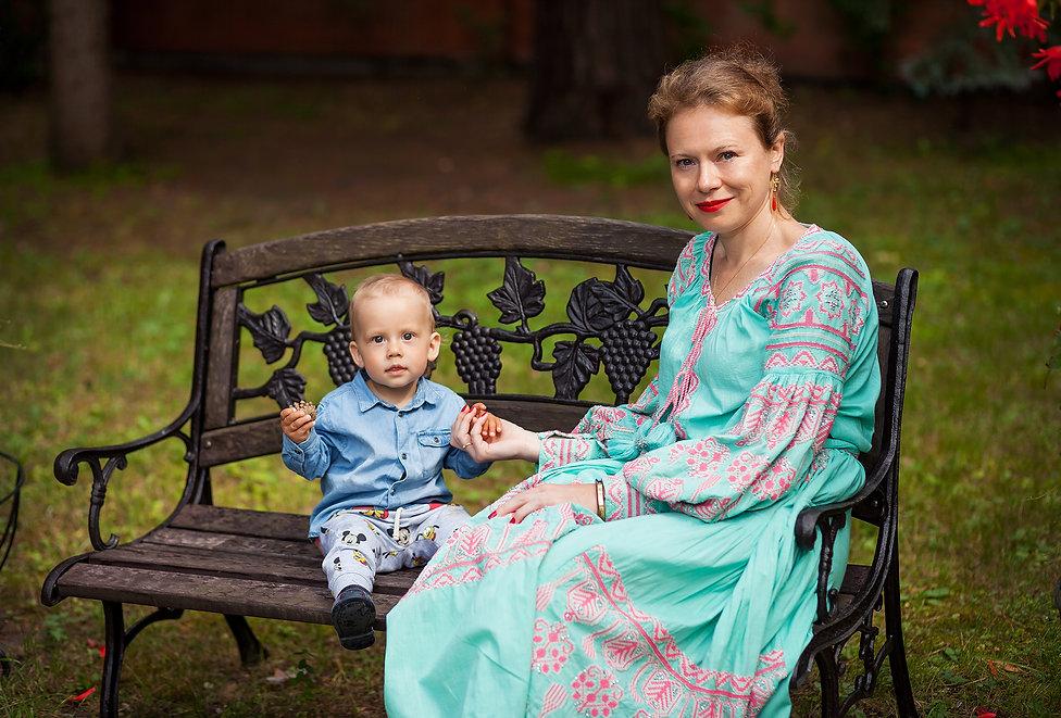 семейная фотосессия на природе с ребенком летом