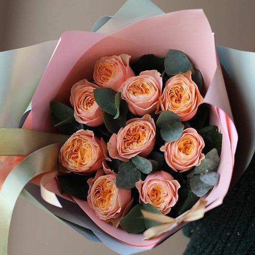 Букет из пионовидных роз Вувузела