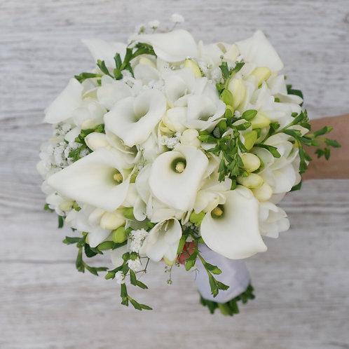 Белый свадебный букет из калл