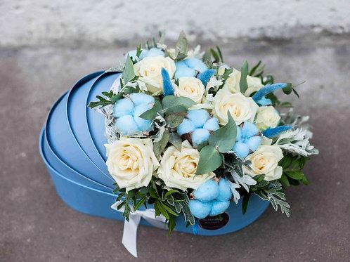 Цветы в люльке