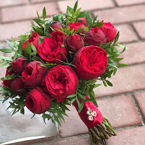 букет невесты с розами Ред Пиано