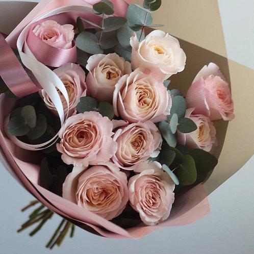 Букет из пионовидных роз Кейра