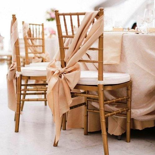 Декор стульев бантами