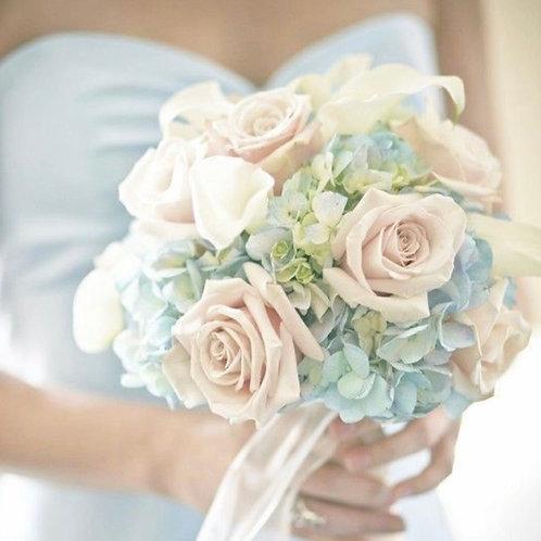 Букет невесты из роз, калл и гортензии