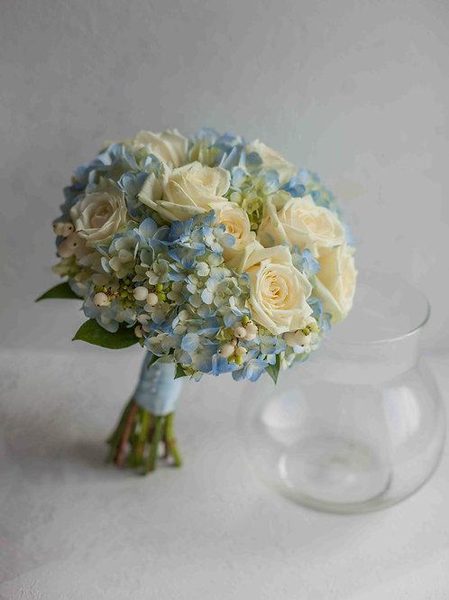 голубой свадебный букет невесты
