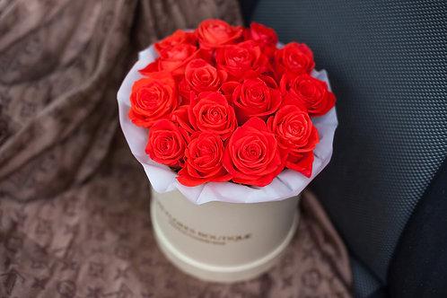 коралловые розы в шляпной коробке
