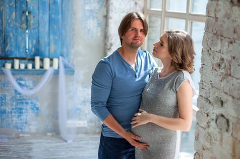 фотосессия беременной в боди с мужем