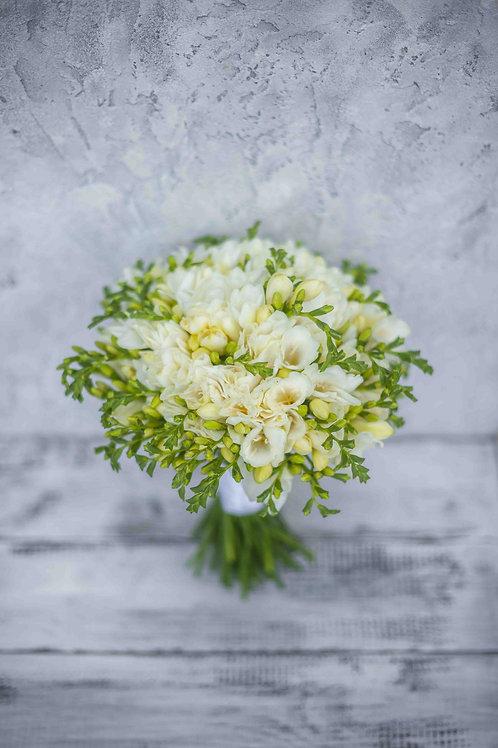 Свадебный букет из фрезии