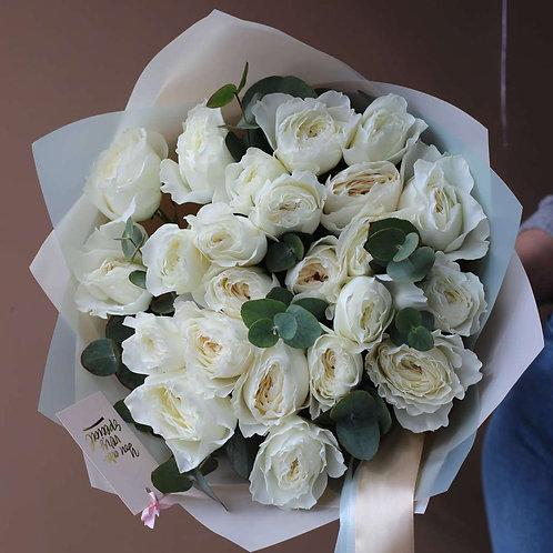 Букет из пионовидных роз Вайт Клауд