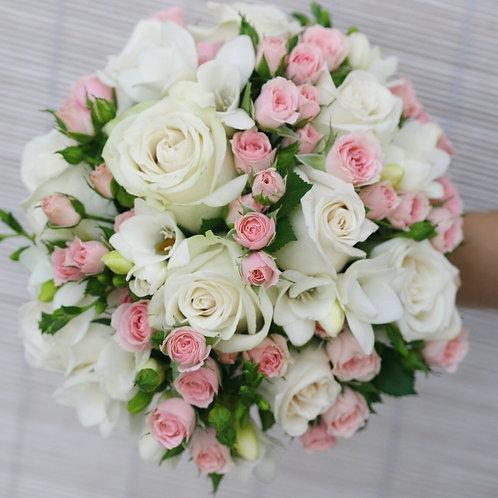 Свадебный букет в бело-розовой гамме