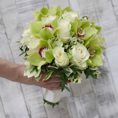 Букет невесты из роз и орхидей