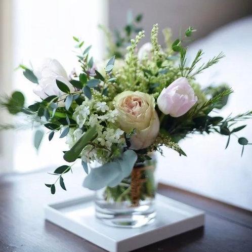 композиции на столы гостей на свадьбу в вазе