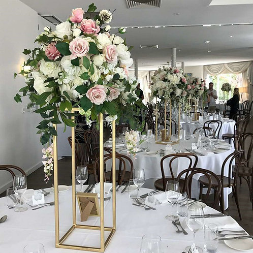 Композиция на свадебный стол на стойке