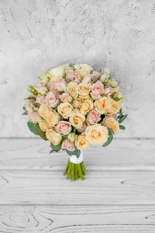 Свадебный букет из кустовых розочек