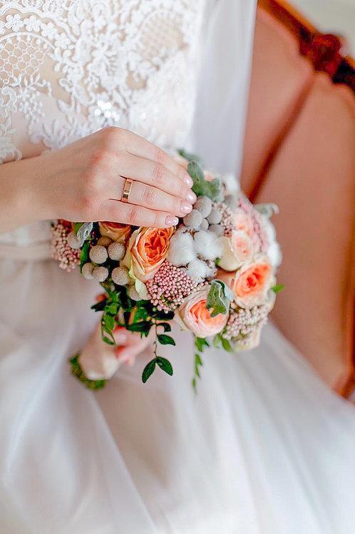 Персиковый букет невесты с хлопком