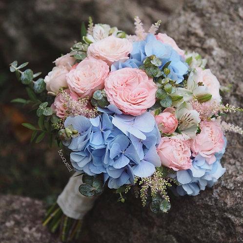Букет невесты голубая и розовая гамма