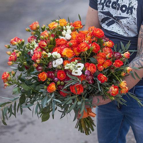 Раскидистый Букет из кустовых роз