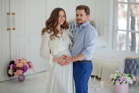 позы для фотосессии беременной с мужем