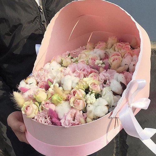 Цветы в коляске коробке