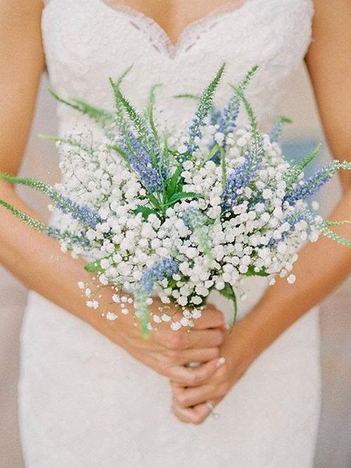 Букет невесты из Вероники и гипсофила