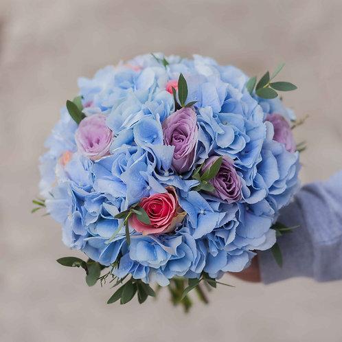 голубой свадебный букет гортензия