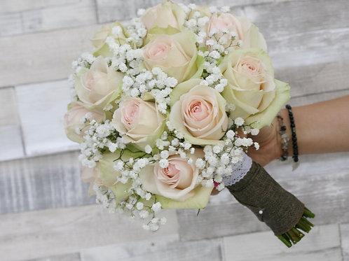 Букет невесты в нежно розовой гамме