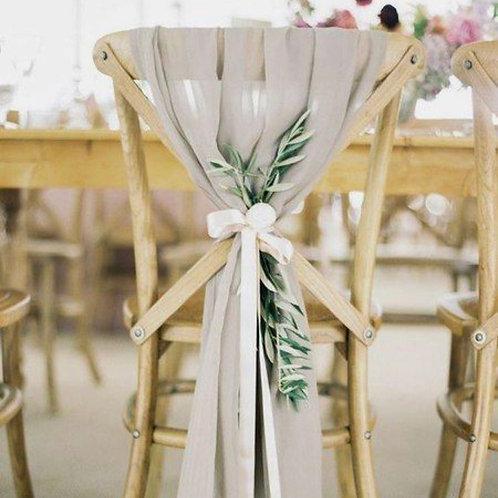 Декор стульев тканями и зеленью