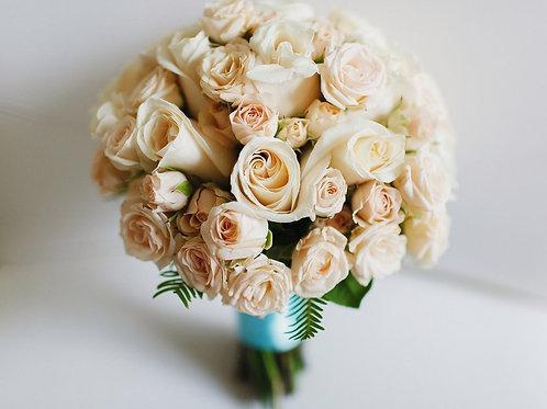 Бежевый букет невесты
