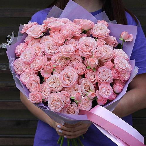 Букет из кустовых пионовидных роз Мадам Бомбастик