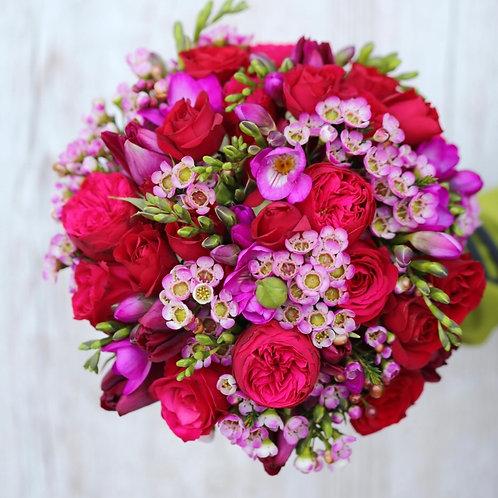 Букет невесты цвета фуксия