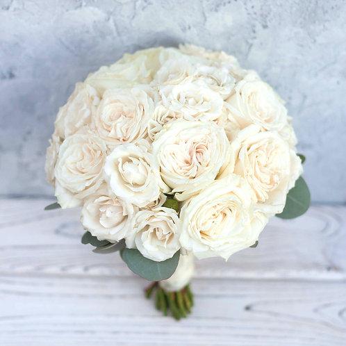 Пудровый букет невесты из пионовидных роз