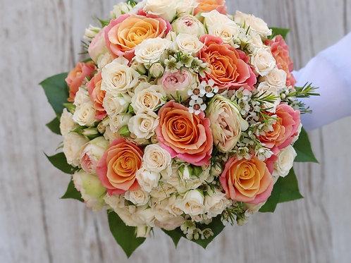 Персиковый свадебный букет из роз
