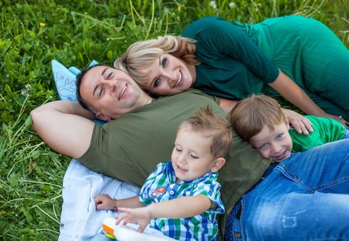 фотосессия беременной с мужем на природе