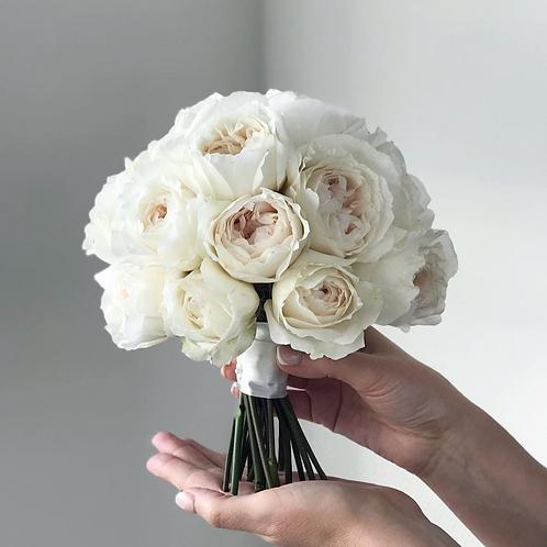 Букет невесты из пионовидных роз Пурити