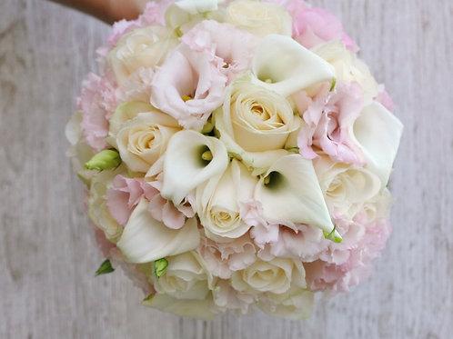 Нежно розовый букет невесты