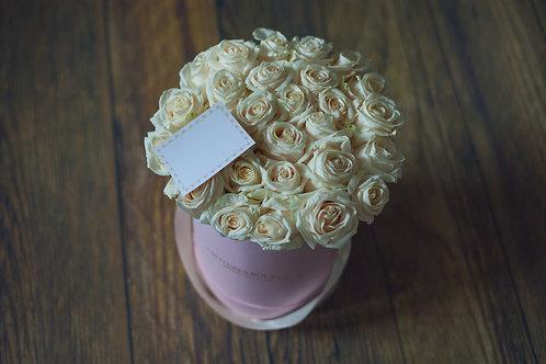 цветы в коробке москва