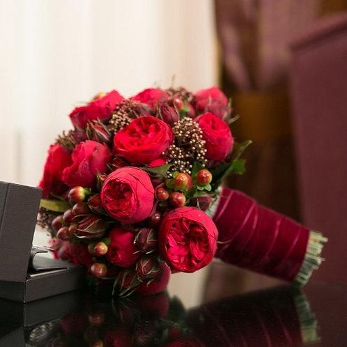 Букет невесты из роз Ред Пиано