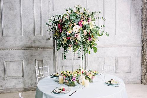 Композиция на свадебный стол на стойках
