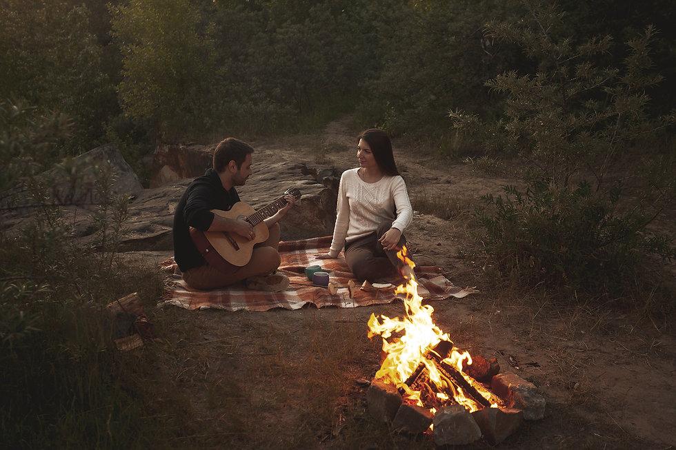 фотосессия пар в лесу