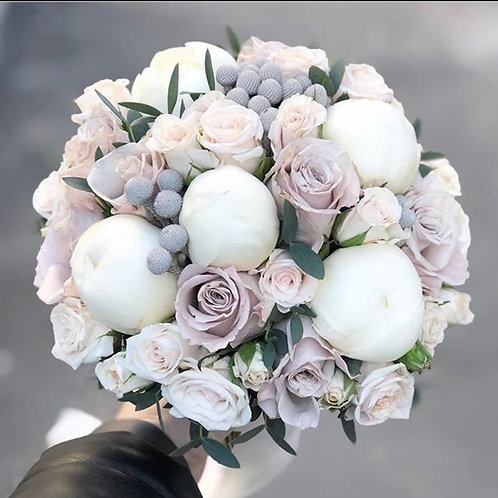 Копия Букет невесты из пионов, роз и брунии