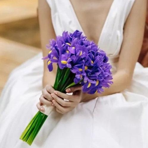 букет невесты из ирисов