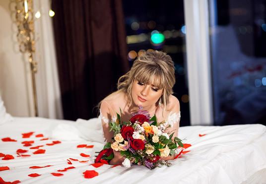 свадебная фотосессия в номере отеля