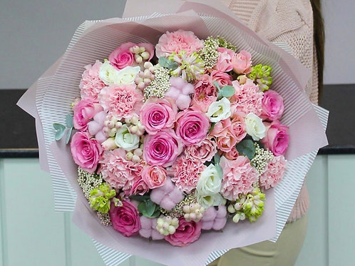 Букет все оттенки розового
