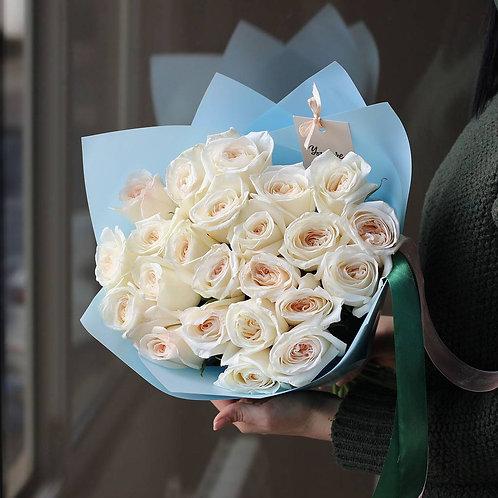 Букет из белых пионовидных роз Охара